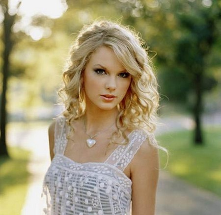 3142_con_Taylor%20Swift1.jpg